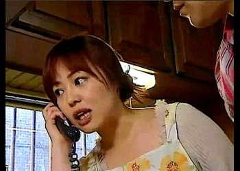 【ヘンリー塚本+永井智美+夏海エリカ+花岡じった】これは危険な近所に住んでいる変態女!夫婦の家にオナニー電話をします【熟女+エロドラマ】