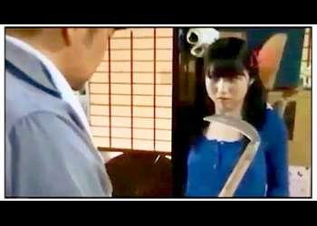 【ヘンリー塚本+西園寺れお+吉村文孝】蛇を愛している風変わりな美少女!鎌を持った脱獄囚が襲いかかりました【美少女+脱走囚】
