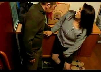 【FAプロ】寝室に入るのが待ちきれないほと発情している豊満奥さま!間男と玄関でヤリまくりです!【動画+henry】