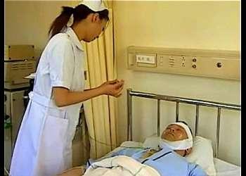 【ヘンリー塚本+熟女】とてもスケベな性欲事件!看護婦が夜勤の時に昏睡患者とやってしまいます【看護婦+患者+エロドラマ】
