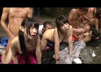 ●キャンプファイヤーにこっそり催淫媚薬を投入したらウブな女子高生たちがヨダレを垂らしながらチンチン狂いになりました!