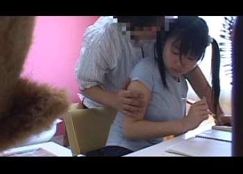●つぼみ 変態家庭教師が小柄な教え子にした事の隠撮記録 !
