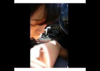 『個撮フェラ』男は周りの目を気にしてビビってチンポしゃぶらせてるくせに女の子の方は堂々とフェラチオして口内射精している個人撮影流出ビデオ♡