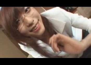 【立花里子】電話しながらいやらしオナニーからの、エロ眼鏡秘書のフェラ奉仕