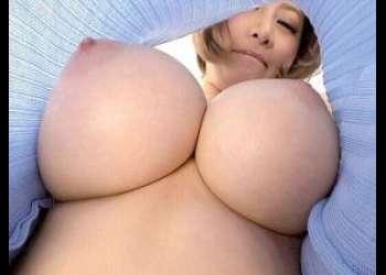 [エロ動画](このアングル…勃起しちゃうでしょ❤)巨乳!超乳!神乳!ムチムチおっぱいのエロ痴女ギャルが濃厚ハードな着衣誘惑♡<着エロ