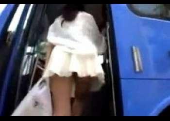 [チカン]いい女フェロモンムンムンの美乳デカパイスレンダー爆乳美女ギャルとバス内で密着興奮そのまま犯しちゃいますたwww