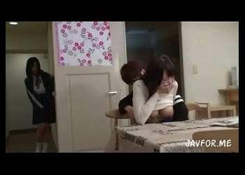 【浜崎真緒×星空もあ】彼女のJK妹とハメる彼氏だが彼女にバレるとそのまま姉妹丼で3Pへ!