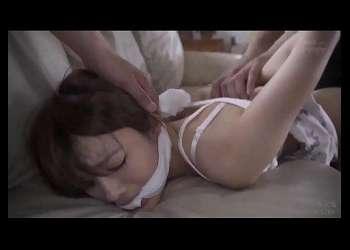 【相沢みなみ】強盗犯二人組が家に侵入してきて美少女が身体を抑えつけられながら無秩序に集団レイプされる!