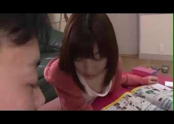 【彩城ゆりな】彼女の妹の胸チラをチラ見していたらそれがバレて怒られると思ったらセックスできた!