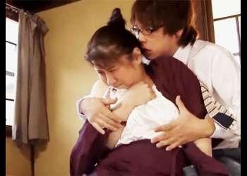☆温泉宿の女☆久しぶりにオンナを思い出し悶絶するおばさん…眉間にしわ寄せる表情からも相当気持ちよさそうで…