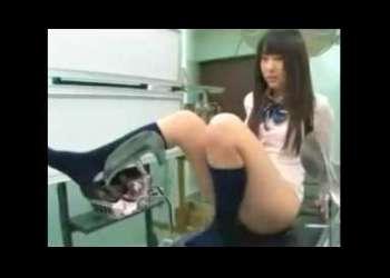 敏感すぎてゴメンナサイ!妊娠検査に来たJKが産婦人科医の「治療」と称した媚薬、電流責めで痙攣絶頂!生姦中出し! 2