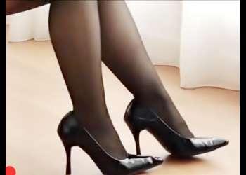 [松本まりな♬]お願いします。。。尖ったので踏ん付けて!絶品お足美女が着衣のままチ◎コ欲しがって来るぜWWWWWWWWWWWWW