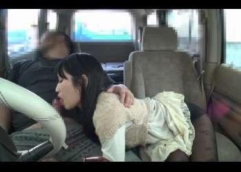 車の中でセンズリ鑑賞!おしゃぶり好き素人に後部座席でじっくりフェラしてもらう♡まお〖CFNMフェラ〗
