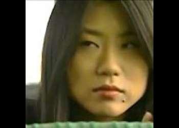 【大越はるか&夏海エリカ】バス停で出会った淑女に色めき立つ爆乳レズビアン。手始めにバス内で手マンを試みる!