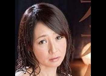 【安野由美】禁欲+媚薬で覚醒したドスケベ美熟女。男優チンポだけでは足りずに監督にチンポまで咥えだした!