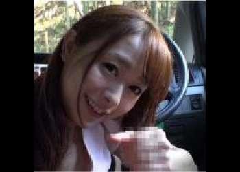 【白石茉莉奈】爆乳ロリカワ美熟女が車の中で手コキ&フェラ!そして旅館の待合所で尻コキ&足コキ!