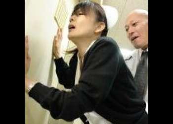 【三浦恵理子】息子の医学部進学のために医院長に抱かれる巨乳美熟女な婦長。最初は拒んでいたのに快感に目覚めていく
