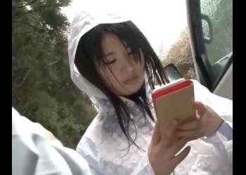 ロリ美少女女子校生に山林へ連れ込み立ちバックでパンツをずらして即ハメレイプ