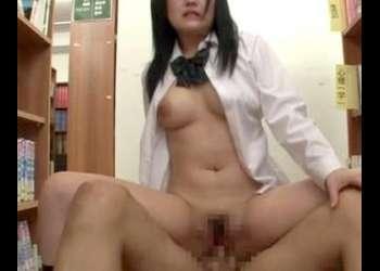 大人しそうなデカパイ女子校生に生チンポをハメて犯しまくって容赦なく膣内射精!