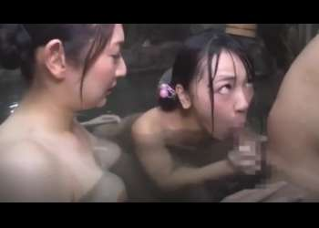 【温泉で逆3P】お姉ちゃんと男の温泉セックスを見て身体が火照ってきた娘