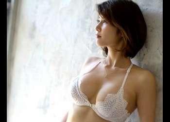 【美乃すずめ】長身なモデル級美女の初脱ぎで美ボディが解禁!がっつりチンポをハメる!