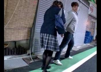 ウブな黒髪ロリ女子校生を連れ込み黒パンストを破いて強制挿入!制服着衣SEX!