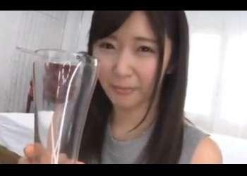 浅田結梨:ウブでロリ美少女が男のザーメン小便を美味しそうに啜り飲む変態でした