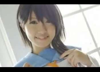 朝倉 ことみ:ニセコイ小野寺小咲コス美少女がディルドオナニーして放尿までしちゃう