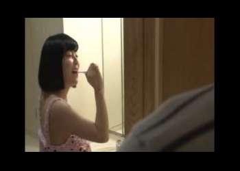 <ロリ少女可哀想な性行為>『嫌がってるのもスキだしたまんないんだよー』歯ブラシに白濁液かけるはキモすぎる!!