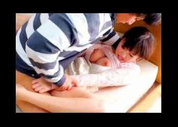 <浜崎真緒>フェロモン溢れる女教師が教え子の家で豹変した肉棒に襲われてコンド-ム無しsex!!