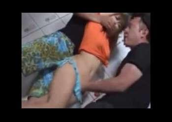「イヤ‐やめてください...」海の部屋の店員さんにリモバ仕込んでいたずら強姦!!オッパイが卑猥な