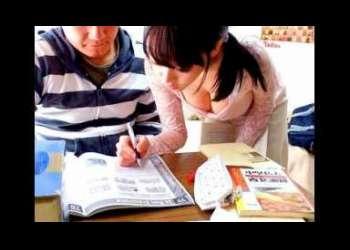 <浜崎真緒>フェロモン溢れる女教師が教え子の家で豹変したちんこに襲われて生はめ性行為!!