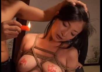 【桐島千沙】柱に縛りつけられ・・凌辱的調教で悶える人妻!妖艶な身体に鞭と蝋燭・・緊縛ファックで絶頂