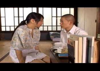 【及川ゆみり】昨夜、私とお父さんの部屋を覗いたでしょ?お母さんがお口でしてあげようか?嫉妬した息子を慰める母