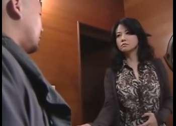 【浅井舞香】万引き常習者の人妻!目撃した男に脅迫されて・・薬物を打たれて昏睡レイプ!
