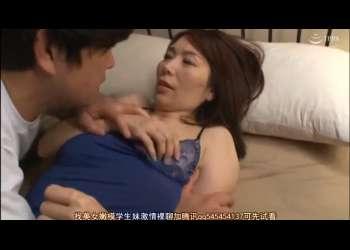 【翔田千里】息子に夜這いされて・・部屋に連れ込まれて母子相姦!絶倫息子にイカされまくる母!