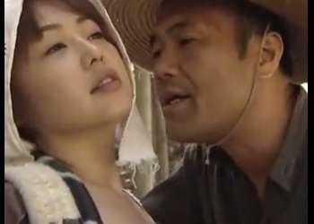 【夏海エリカ】農道で女を待ち伏せする男・・ここでハメさせろや!農家の不倫カップルが昼間から野外で青姦ファック!