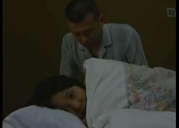 【大沢萌】妻は出産で不在・・未亡人義母を夜這いする婿!心待ちにしていたのか・・婿の巨根を受け入れる義母