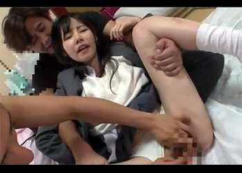 [JKレイプ]『イヤだ~~!』東京に来て浮かれてるJKを騙す!すすり泣くJKに容赦ない中出し!クスリも使って犯しまくる!