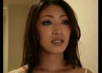 巨乳でモデル体型の人妻がフェラしながらオナニーしちゃう変態女に変貌!小早川怜子