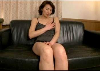 アナルに欲情した息子に中出しで犯される剛毛の熟女母親
