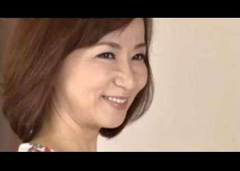 【牧原れい子】数年前、浅草で踊り子としてデビューした母♡時が立ち再び舞台に立つ事を決意して伝説のストリッパー復活