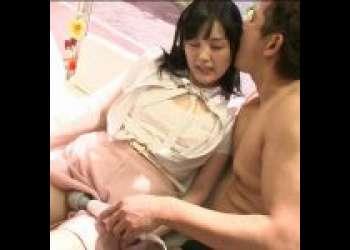〈MM号〉『そんなに当てると!出ちゃうよぉ〜!』電マ初体験の素人娘がアクメ激イキぃ!