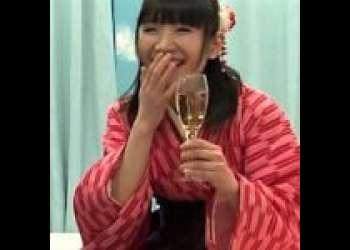 《MM号/ロリ/女子大生/泥酔》袴姿のJDが大学の同級生と謝礼につられてSEX!