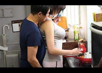 【むっちりBODY】「夕飯作っておくね?」性処理だけじゃない♪家事も料理もやってくれる可愛いセフレ本当に実在する??長身Gカップに中出し放題♡
