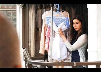 【三浦歩美】「ねぇ、私の下着姿…覗いてましたよね??」夫に相手にされず高級ランジェリーを着る毎日に隣人が興奮してNTR