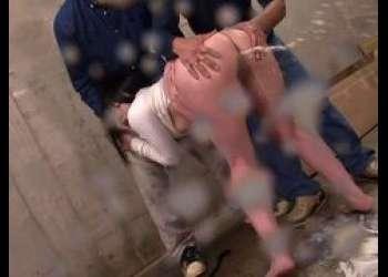 南梨央奈 痴漢魔に媚薬浣腸された女子大生がアナルから大量噴出しちゃう動画