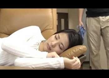 【拘束レイプ】寝てる可愛い嫁の妹!こっそり手首を長いヒモで縛りパンツずらし股間を悪戯して禁断挿入