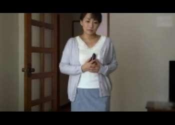 よしい美希・ムチポチャお母さん近親相姦、四十路巨乳美熟女オナニー立ちバックながえスタイル