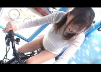 美熟女ナンパNTRアクメ自転車、美人妻イキ潮噴射・立ちバックMM号